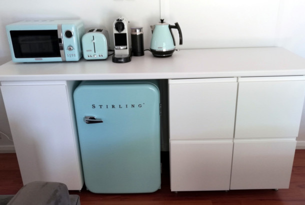 short-sheep-studio-kitchenette